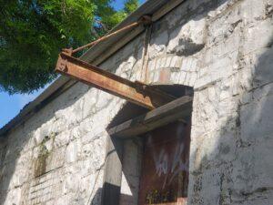 Lucarne Door beam